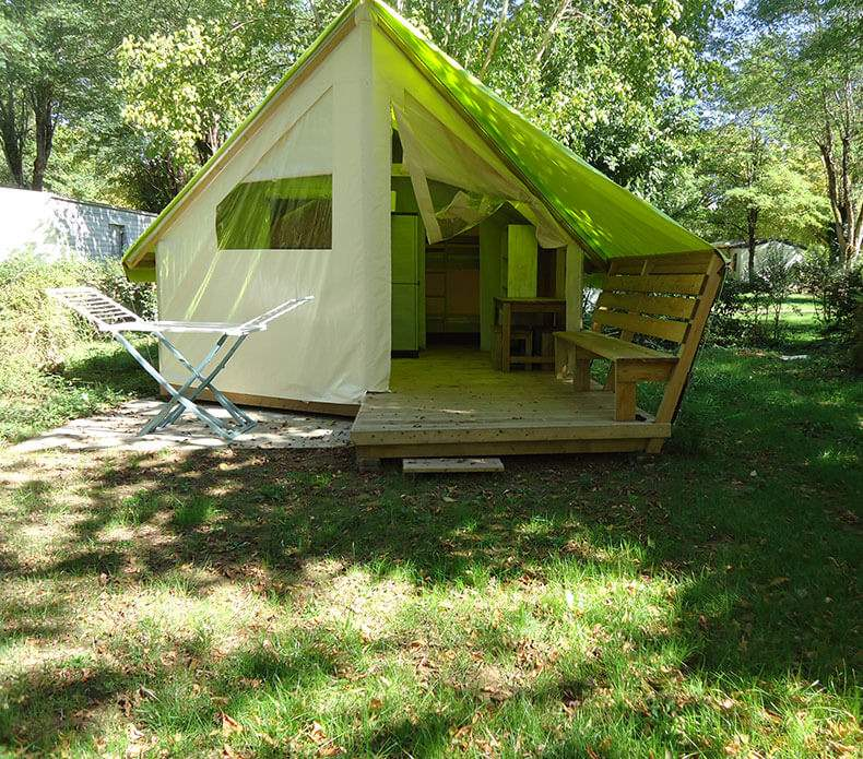 Lodge Tent Junior Plus (with sanitary facilities)
